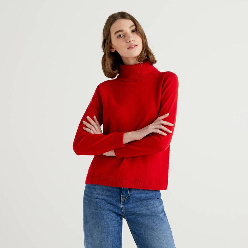 Roter Rollkragenpullover in einer Mischung aus Wolle und Cashmere