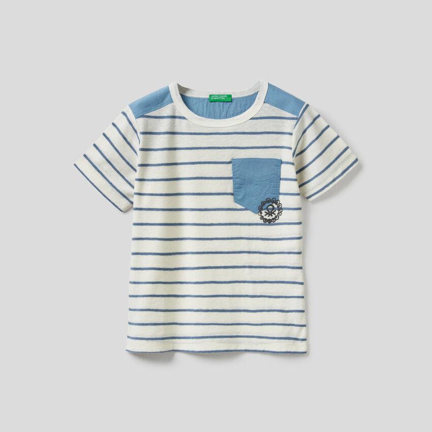 T-Shirt in einer Mischung aus Baumwolle und Leinen mit Streifen