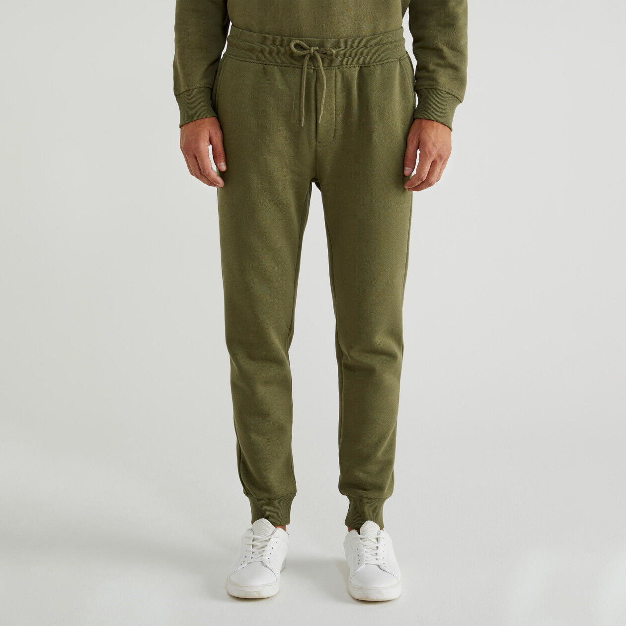 Hose aus Sweatstoff mit Taschen
