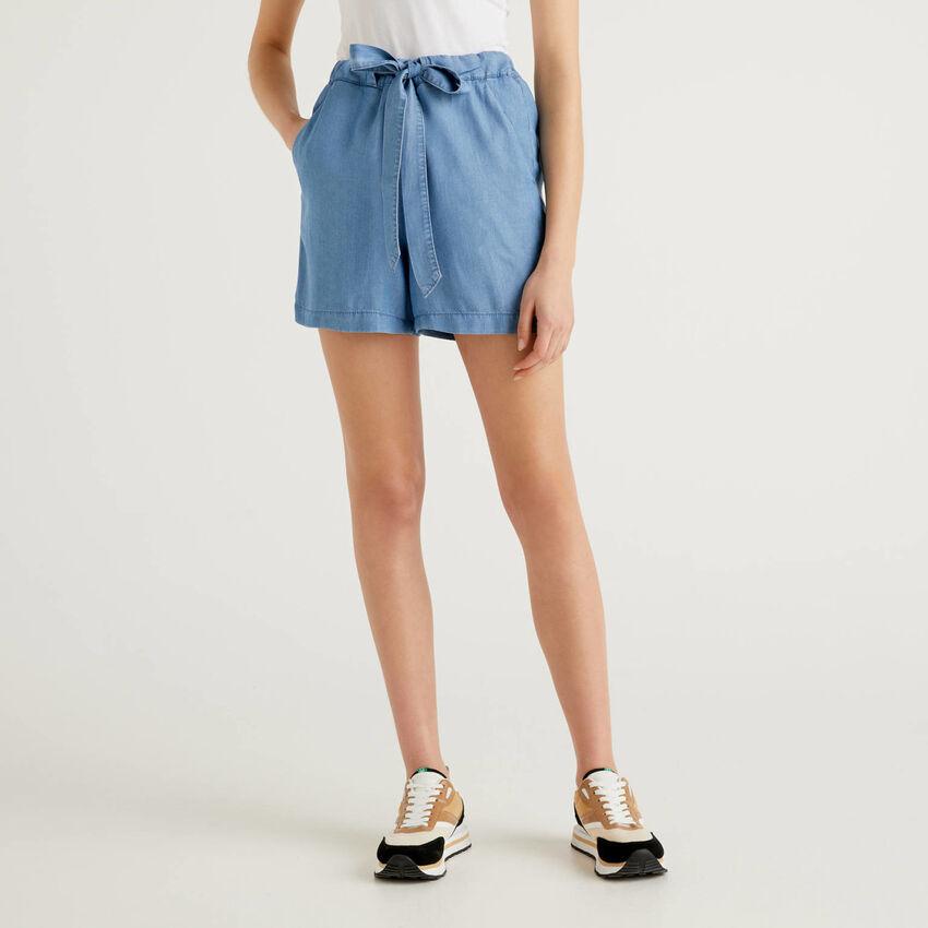 Fließende Shorts mit Jeans-Effekt