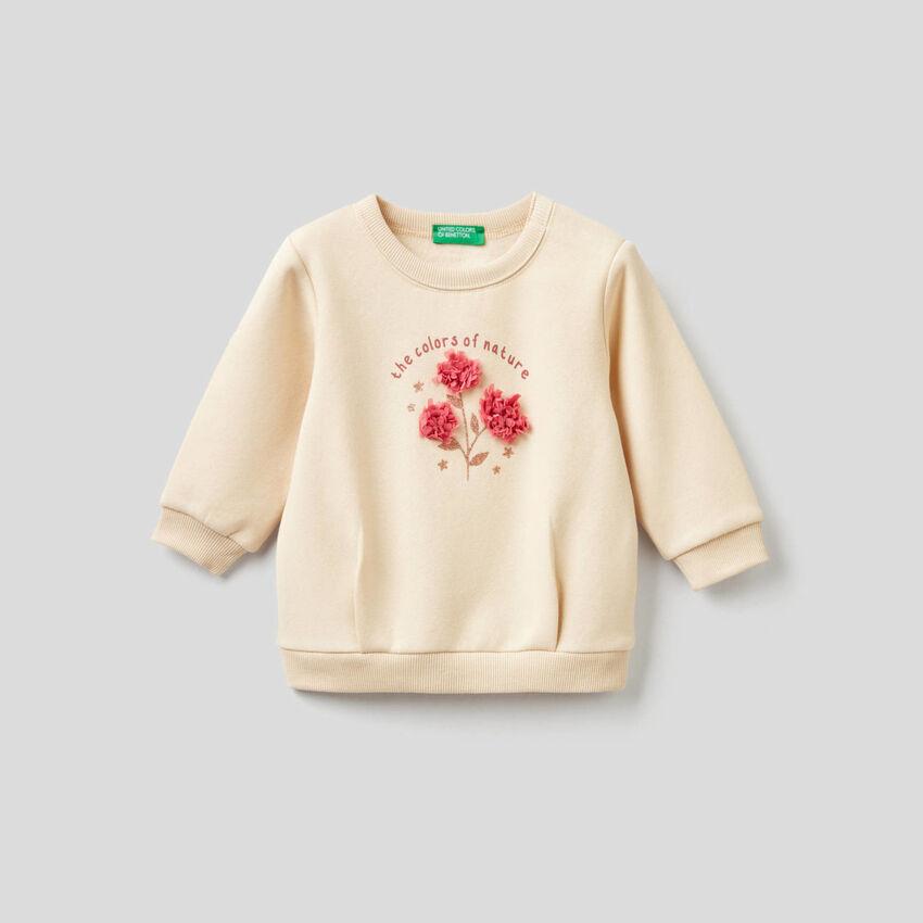 Sweatshirt mit Blütenblatt-Applikationen