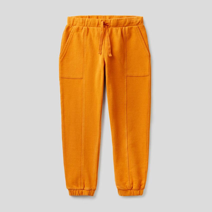 Hose aus Sweatstoff mit Maxi-Taschen