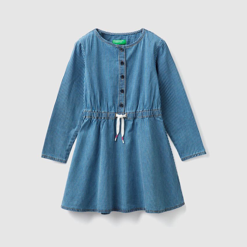 Kleid aus Chambray mit Streifen