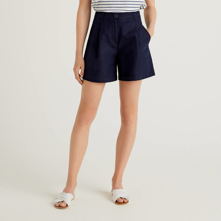 Shorts aus einer Leinenmischung mit weitem Bein