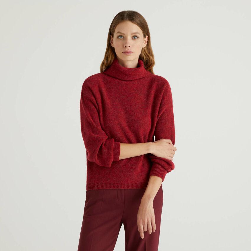 Pullover aus einer Wollmischung mit hohem Kragen