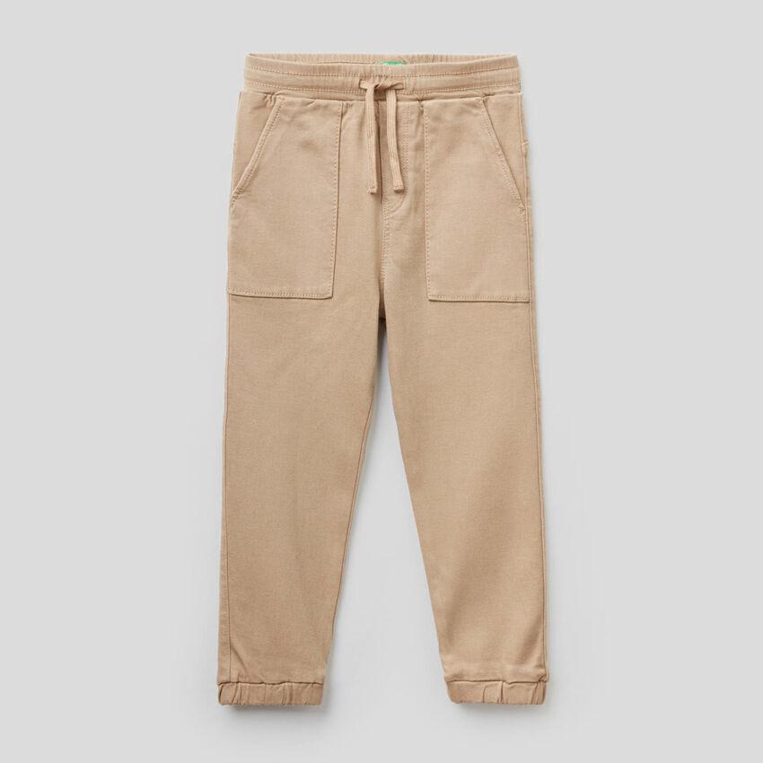 Hose mit Tunnelzug und Maxi-Taschen