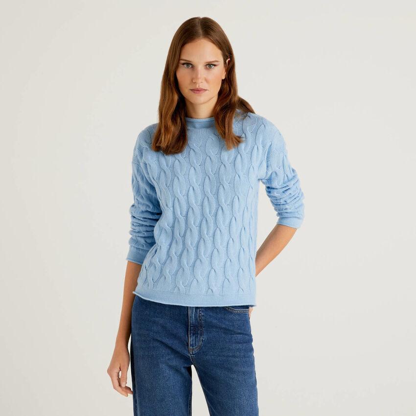 Pullover mit Flechtmuster