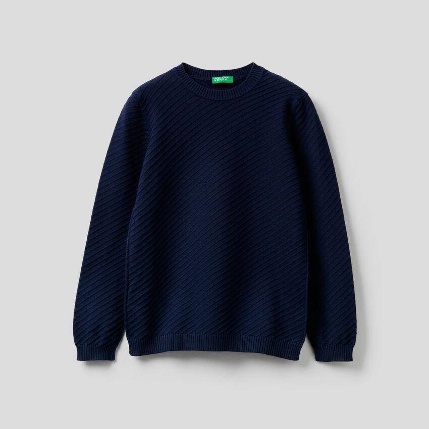 Pullover mit diagonaler Verarbeitung