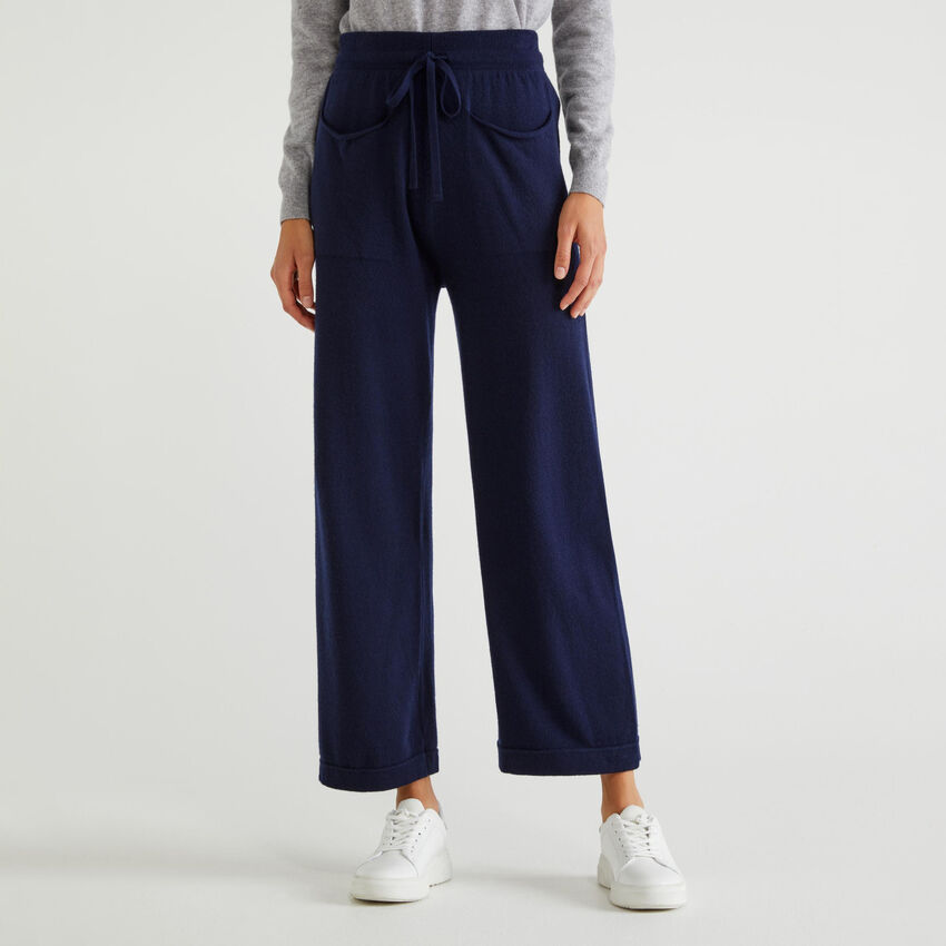 Hose in Strick mit Taschen