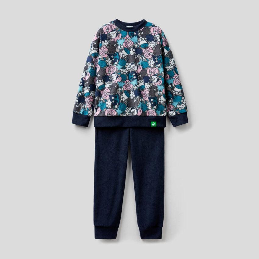 Pyjama aus Fleece mit bedrucktem Oberteil